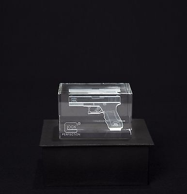 NEW GLOCK Perfection Crystal Hologram Paperweight GIFT PACK  AS00016 Collectible