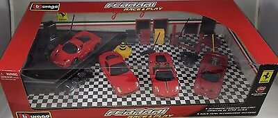 Bburago - 18-31214 - Ferrari Race and Play Gift Set Scale 1:43 - Red
