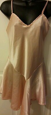 VTG SEDUCTIVE WEAR PEACH BABY DOLL Size Small 1 PIECE SLEEPWEAR Satin Feel