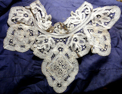 SUPERBE ANTIQUE VENETIAN  HANDMADE LACE NECK COLLAR.c 1900's.