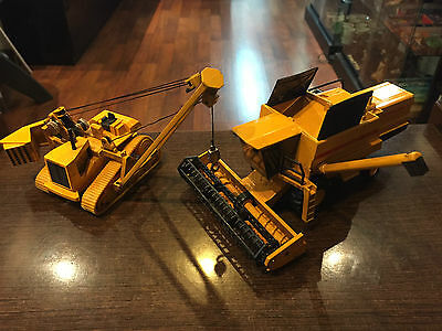 JOAL LOTE #224 y #240 New Holland TX34 y Caterpillar 589 Pipelayer  1:50 Metal