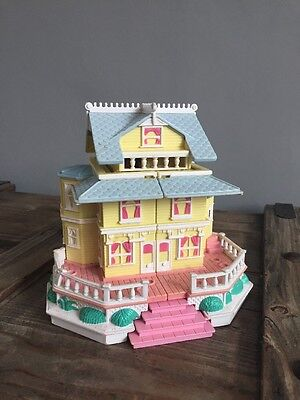 Vintage Polly Pocket Clubhouse Pop-up Party House Bluebird 1995.