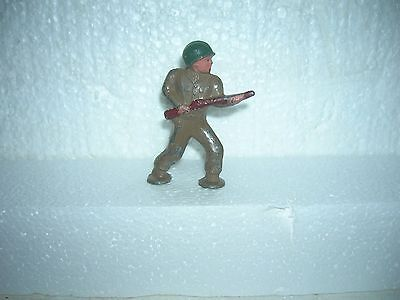 BARCLAY TOY Soldier Charging Postwar B234 Metal Cast Podfoot 1950's