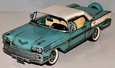 Chevy Impala Vintage Tin Car Vintage Metal Model Tin Model Car 32 cm 37871
