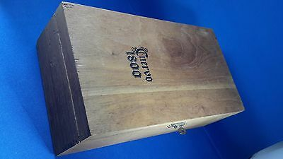 Cuervo 1800 wooden box tequila dovetail construction