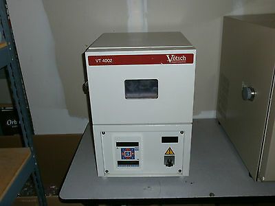 Votsch VT 4002 Compact BenchTop Temperature Chamber (will deliver locally)