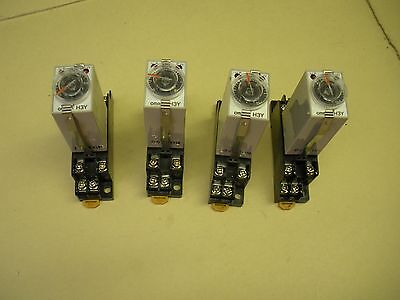 Omron Timer Relay H3Y-2 with Socket 20X3YT , lot of 4