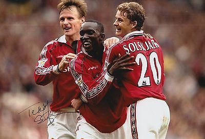 Manchester United Hand Signed Teddy Sheringham 12X8 Photo.