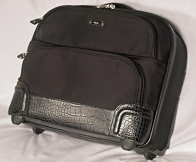 Tumi Wheeled Business Case -Georgetown Dumbarton Embossed Leather Unique Style