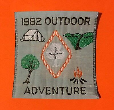 """""""NEW"""" 1982 Girl Guides Australia cloth patch size 'Outdoor Adventure' 5 x 5.5 cm"""
