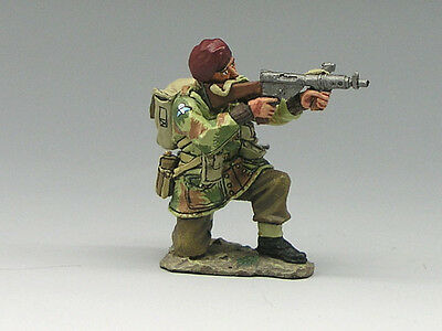 King and (&) Country MG020 - Kneeling Firing Sten Gun - Retired