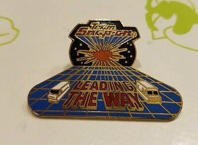Vintage Team Snap-On Leading the Way Manufacturer hat lapel Pin rare