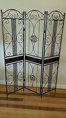 Screen room divider.  Decor. Metal.home. display. French