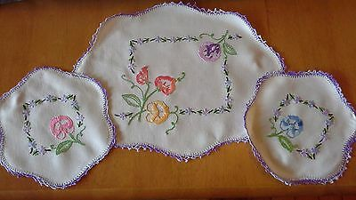 Vintage PANSY embroidered duchess dressing table doily set x3 pieces linen picot