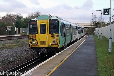 Southern 455834 arriving Cheam 2010 Rail Photo