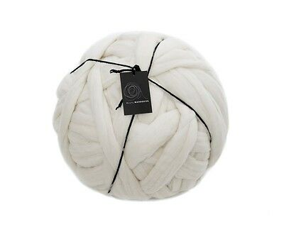 1kg 100% Cream Merino Wool  Giant Bulky Extreme Arm Knitting Yarn Thick 19.5MU