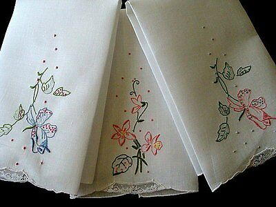 FAB Set of 3 Vtg MADEIRA Linen Guest Towels UNUSED Hand Embroidered PRISTINE