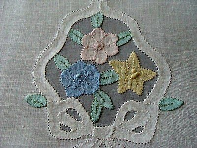 Beautiful Vtg MADEIRA Linen Organdy Guest Towel Unused Hand Embroidered PRISTINE