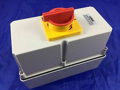 CLIPSAL 56SWH380 Load Break Switch In 5620 Enclosure 3 Pole 80 Amp 80A