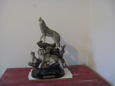 grey wolf family figure