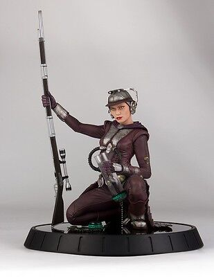 Gentle Giant Star Wars Zam Wessel Statue - Bounty Hunter, Attack of the Clones