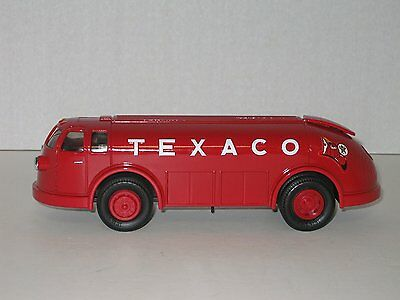 Ertl Texaco 1934 Diamond T Tanker