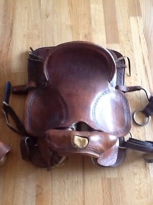 """Vintage 18"""" Saddle - Beautiful Leather Saddle - Used as a Display Piece - Great!"""
