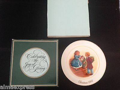 "1984 AVON ""Christmas Memories"" Collector Plate, 4th Edition"