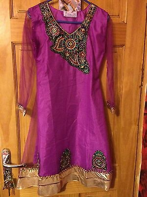Pakistani Girls Suit