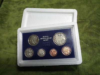 1981 Australia 6 Coin Proof Set With Foams and Certificate
