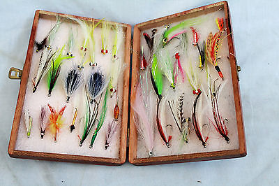 "7 x 5"" Mahogany fly fishing box with 40 + Salt water and streamer  deciver flies"