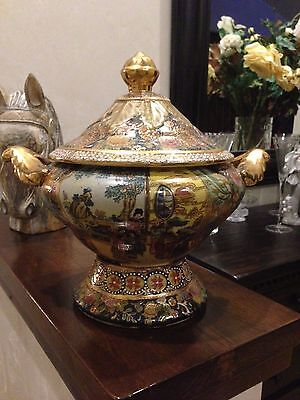 Vintage Exquisite Asian Chinese Covered 2 Handled Urn With Lid Hand Painted