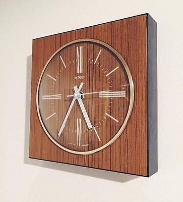 Retro Metamec Mid Century English Electrical Wall Clock Vintage Kitsch