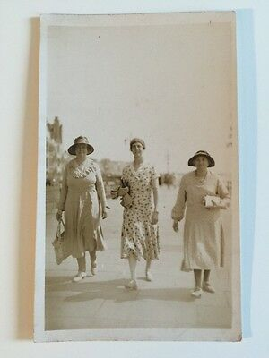 Vintage Postcard - RP Anonymous People - Ladies On Sea Front #80