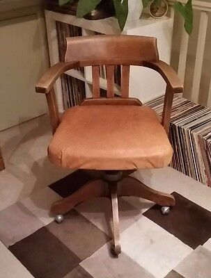 HILLCREST Vintage Mid Century Office Swivel Captains Chair Stunning!