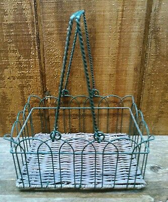 Antique vintage primitive rustic Metal wire basket decor decoration storage