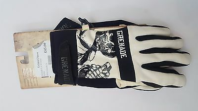Grenade G.A.S. snowboard or ski Gloves in Small. Brand New! RRP £45