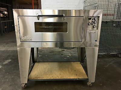 pizza oven, Single Deck Oven,  Lang Commercial  S33827R