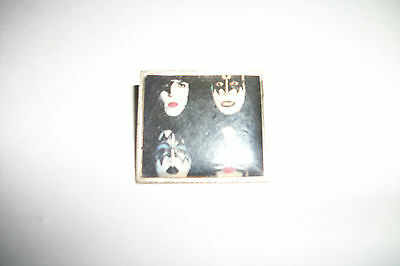 Kiss Badge/Button  # 700