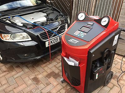 Car air conditioning refill recharge, R134A, Fully Mobile Service Leicestershire