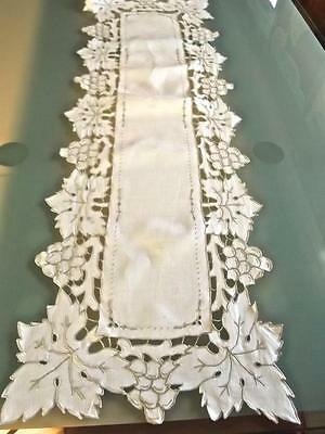 Vintage Madeira Linen Table Runner Richelieu Cutwork Grapes Taupe Embroidery