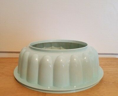 EUC! Tupperware 1202 light blue replacement Jell-o mold Jel n Serve form, ring