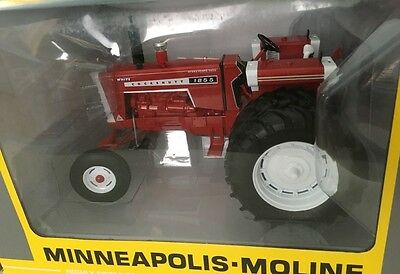 New 1/16 Cockshutt 1855 tractor w/ duals, Toy Tractor Times, Very nice! Chaser