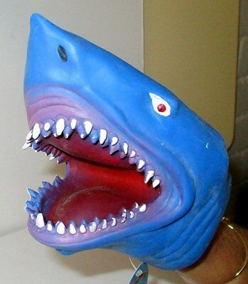 Soft Safe & Stretchy! Realistic Shark Hand Puppet That Seems To Come Alive! Bnwt