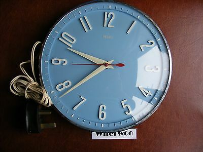 Vintage Blue Faced METAMEC Electric Wall Clock - Retro - Working - 60's Kitsch