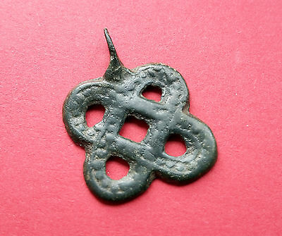 RARE VIKING BRONZE OPENWORK PENDANT FORMED AS A KNOT 11th-12th CENTURY A.D