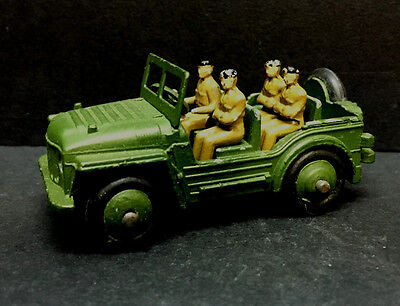 (61778) VINTAGE DINKY AUSTIN CHAMP JEEP with FOUR FIGURES