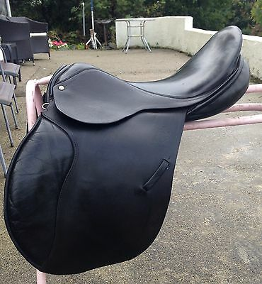 "Black English Leather G/P Saddle 17"" D-D 9"" wide fitting by Paul Jones"
