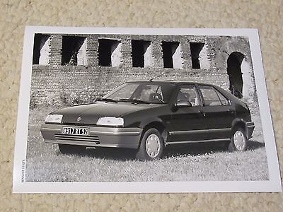 1989 Renault 19 Gts Original Press Photo.