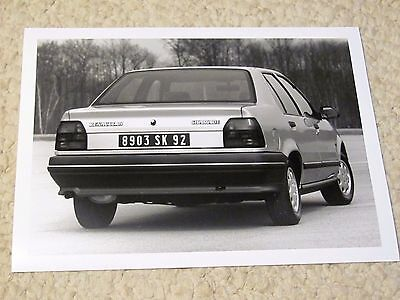 1989 Renault 19 Chamade  Original Press Photo.. (2)